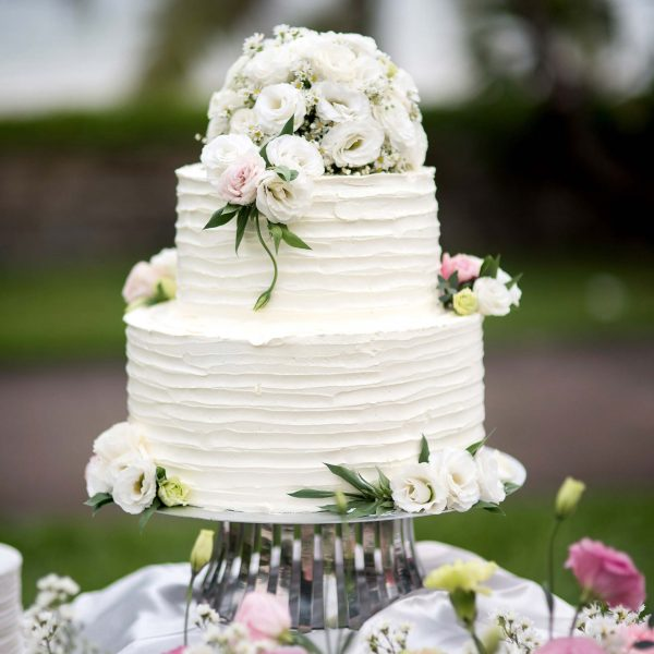 wedding-cake-stock